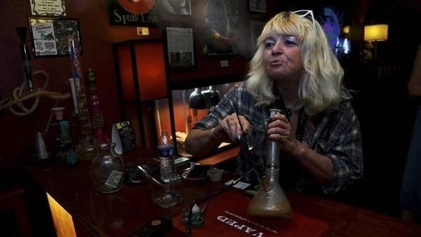 States Push For Legalized Marijuana Lounges