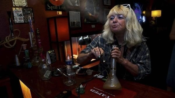 States Advocate For Legalized Weed Lounges